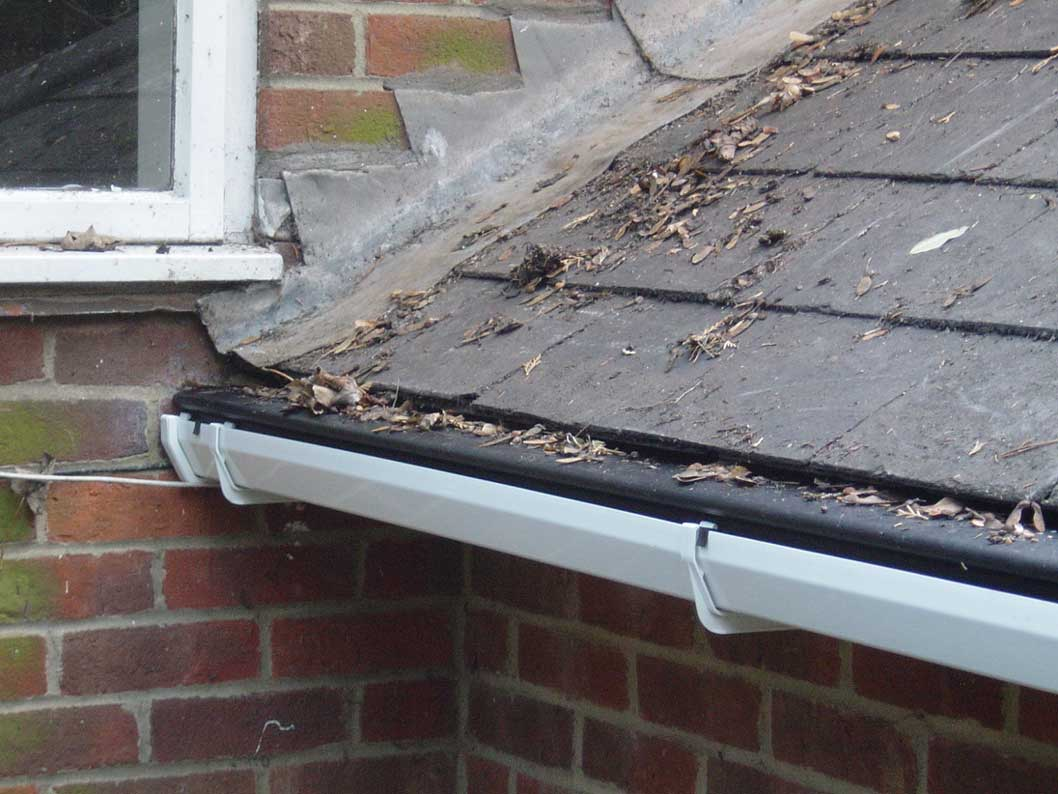 Gutter Unblocking-Manchester-Sewer Serve Solutions